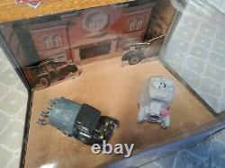 Disney Pixar Cars Time Travel Mater Wedding Day Gift Pack Lizzie & Stanley